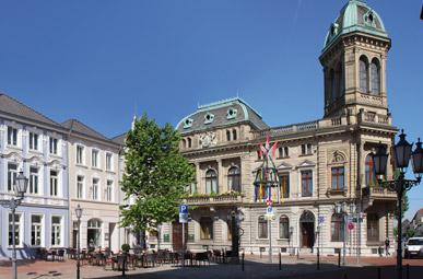 Das Foto zeigt das Underberg Palais. Das Gebäude wurde von 1878 bis 1880 erbaut. Heute wird das Palais für repräsentative Zwecke genutzt.